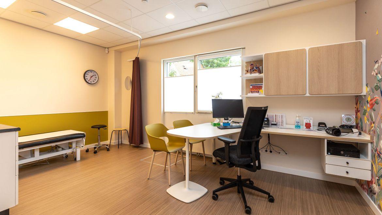 Behandelkamer huisartsenpraktijk te Wormer