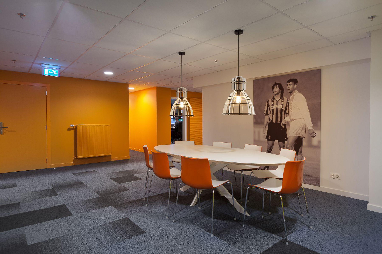kantooromgeving, werkplekken, interieurontwerp Fox Sports Playout